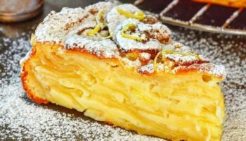 Рецепт шарлотки, яка перевершила торти і тістечка