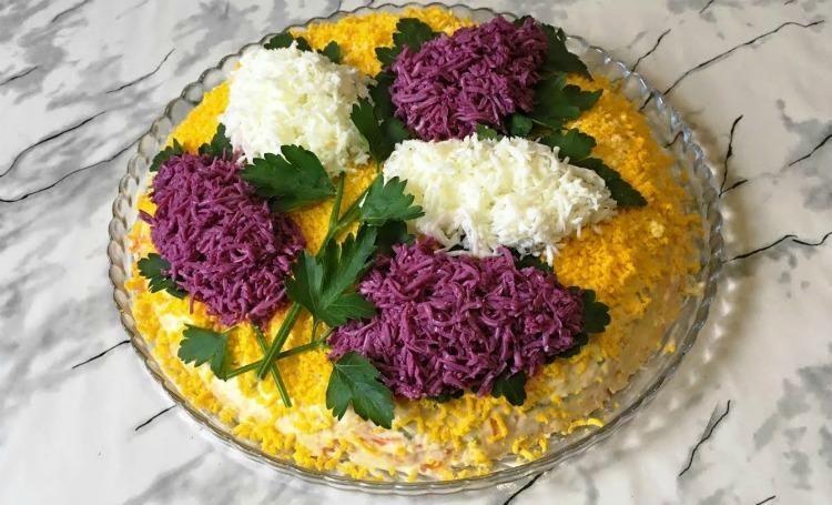 Весняний салат «Бузок» - детальний рецепт