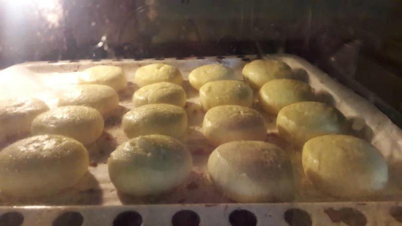 Приготування сирників в духовці - детальний рецепт