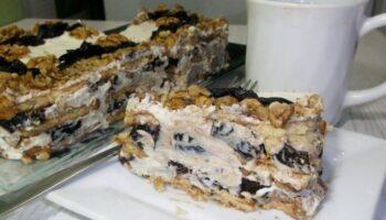Торт без випічки з чорносливом і горіхами - рецепт приготування