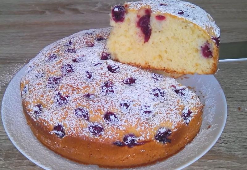 Домашній вишневий пиріг - рецепт приготування