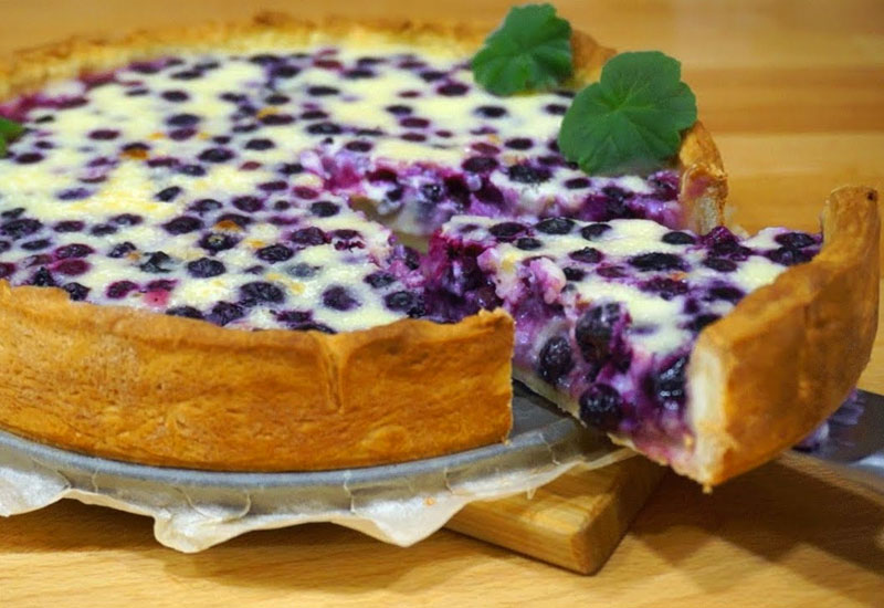 Пиріг з ягодами зі сметаною заливкою - рецепт приготування