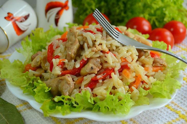 Розсипчастий рис з куркою і овочами, рецепт приготування