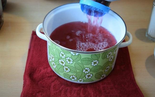 Швидкий рецепт компоту з вишні на зиму