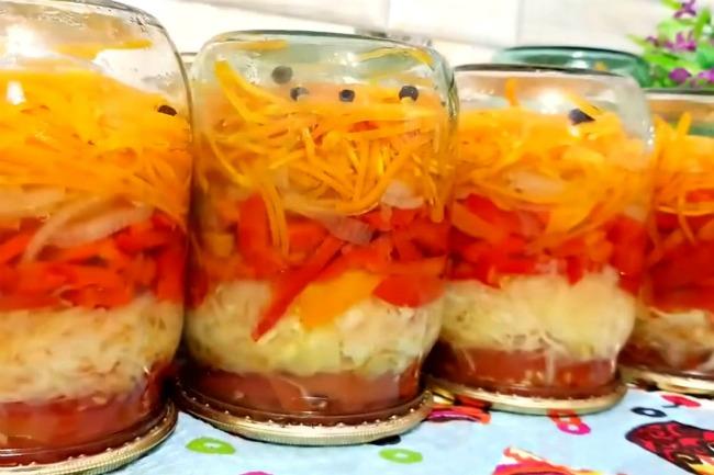 «Лінивий салат» на зиму в банках за перевіреним рецептом