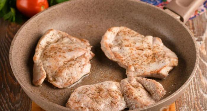Мабуть, це найсмачніше м'ясо по-французьки з картоплею (ділюся рецептом)