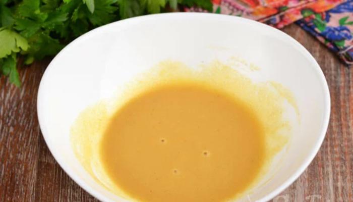 За 5 хвилин з помідорів і яєць готую дуже смачний салат! Відмінний смак дає проста заправка