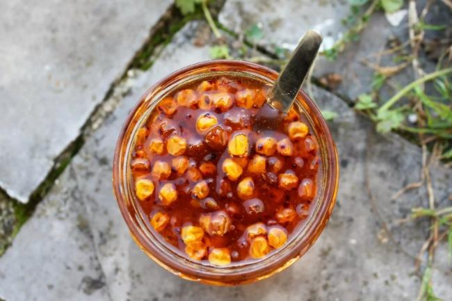 На період застуди і грипу завжди закриваю запас вітамінів: обліпихове варення з апельсином і горіхами