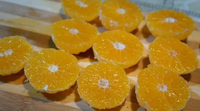 """Викриття рецепта """"Взяла свіжі мандарини і залила їх тістом"""""""