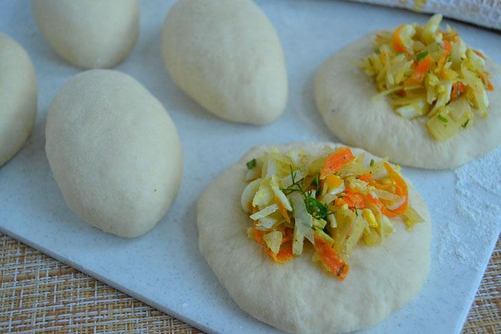 Дуже смачні пиріжки з капустою і яйцем в духовці - з простих і доступних продуктів