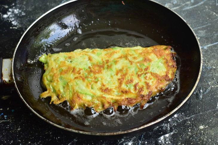 Фальшиві чебуреки з кабачків з сиром - цікава і смачна закуска