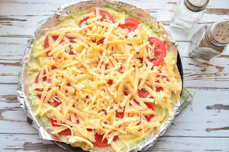 Кабачкова піца з помідорами і сиром