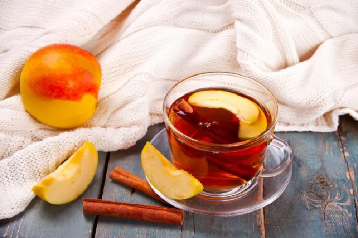 Щовечора перед сном п'ю чай з корицею та яблуками: у мене на це 5 причин
