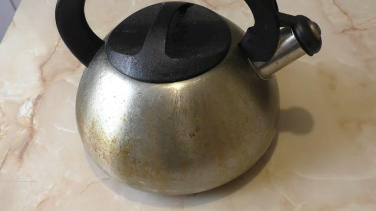 Всім господиням на замітку: Чистимо чайники і сковорідки до блиску