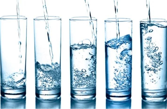 15 ознак що Ви п'єте мало води. Симптоми зневоднення