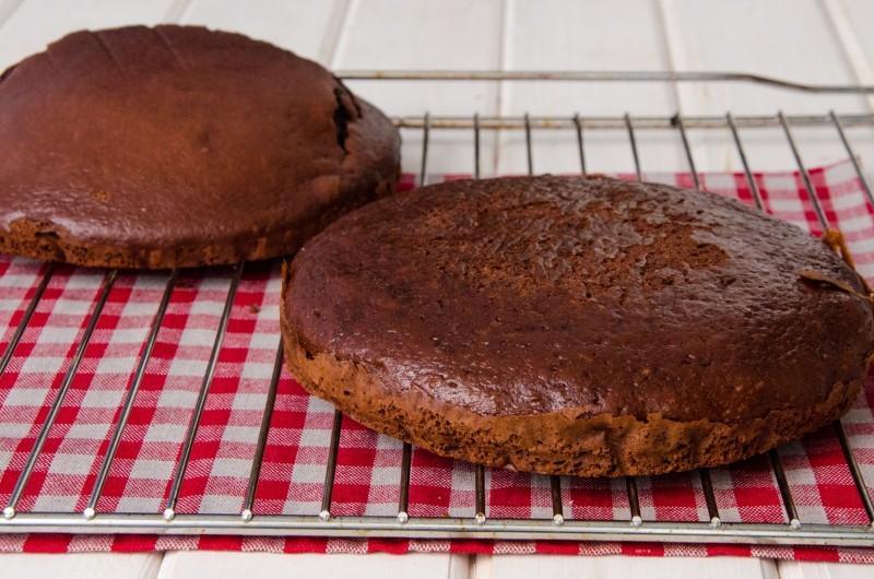 Класичний торт Снікерс - покроковий рецепт