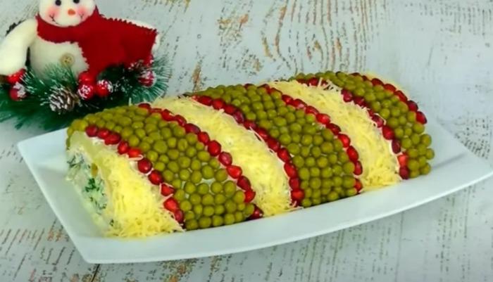 Салат з сюрпризом: святкове частування з незвичайною начинкою