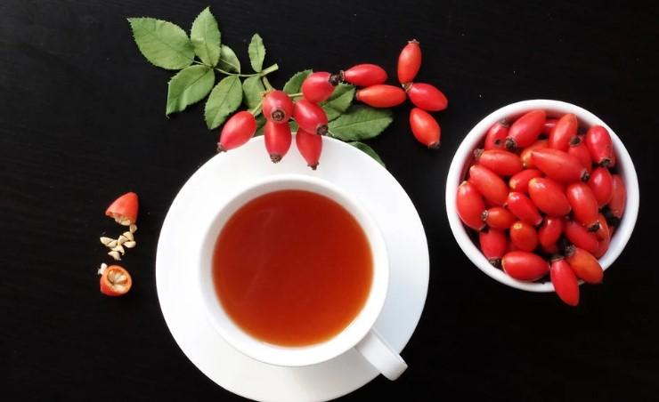 Чай із шипшини: що буде, якщо пити напій 30 днів