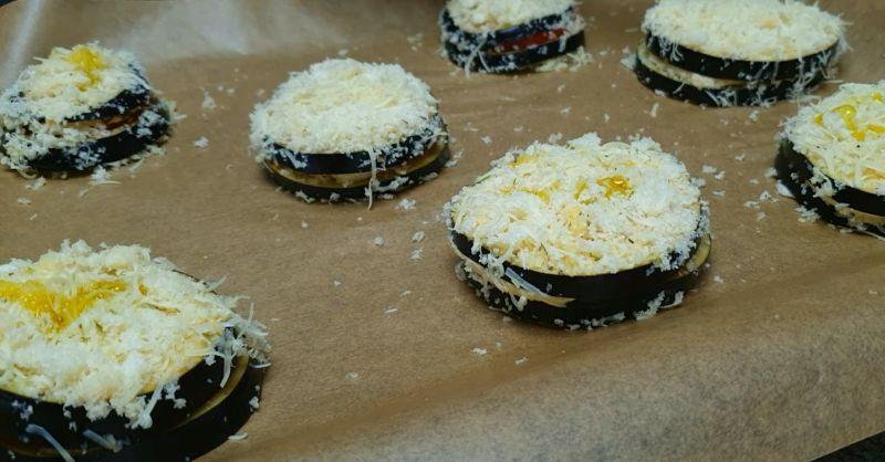 Як приготувати пікантні баклажани з сиром по-італійськи