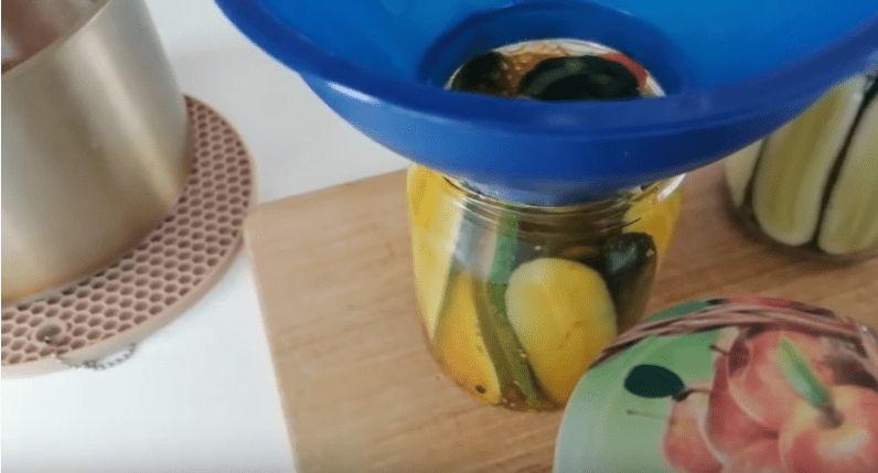 Всі в захваті від цих огірочків: простий і дуже смачний рецепт