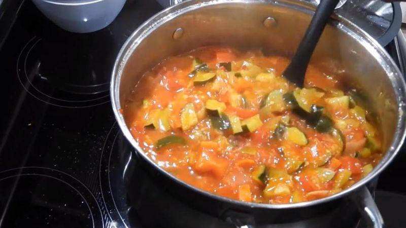 Як приготувати смачну закуску з кабачків всього за 35 хвилин без стерилізації