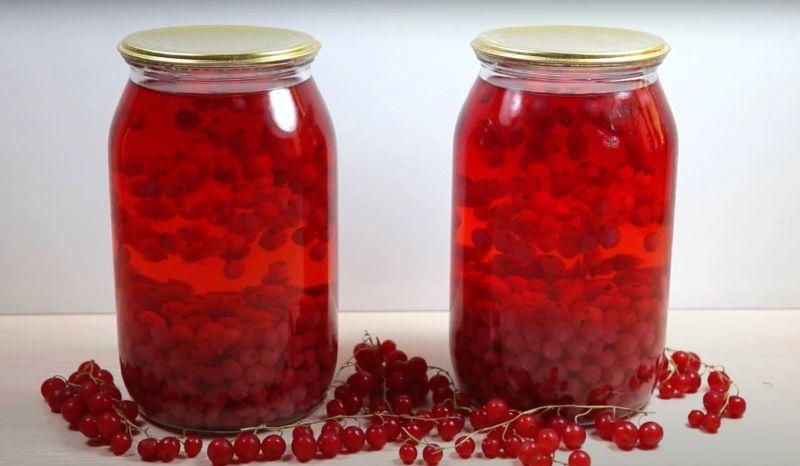 Смачний компот із червоної смородини на зиму: простий рецепт
