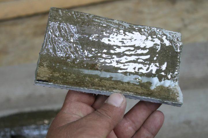 Діру або тріщину в шифері можна закрити швидко, надійно і без додаткових витрат