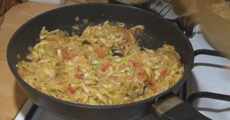 Розкішна вечеря з упаковки макаронів і 1 кабачка