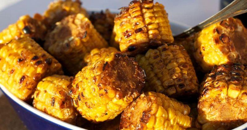 Як смачно і правильно зварити кукурудзу