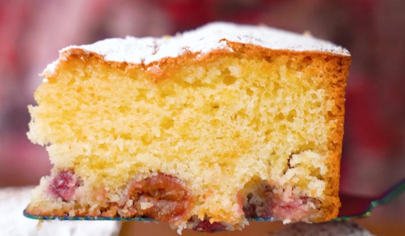 Самий літній пиріг з ягодами без молока і вершкового масла, коштує копійки, на смак - приголомшливий