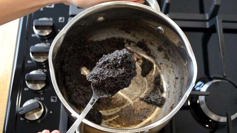 Як приготувати булочки з маком в шоколадній глазурі