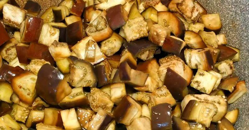 Рецепт баклажанів з печерицями на зиму