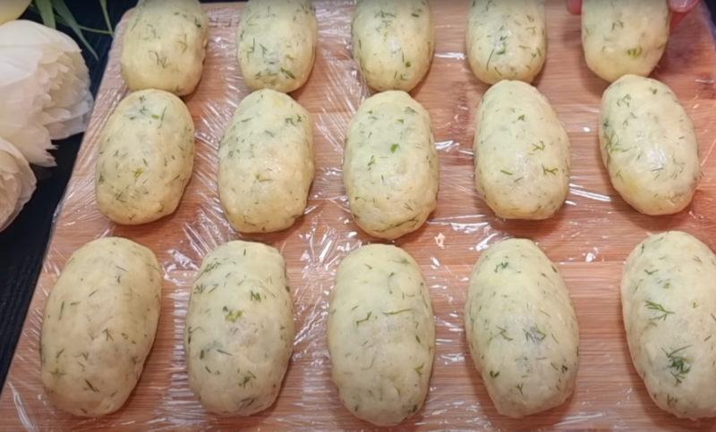 Рецепт зі старої бабусиної книги: смакота зі звичайної картоплі з начинкою
