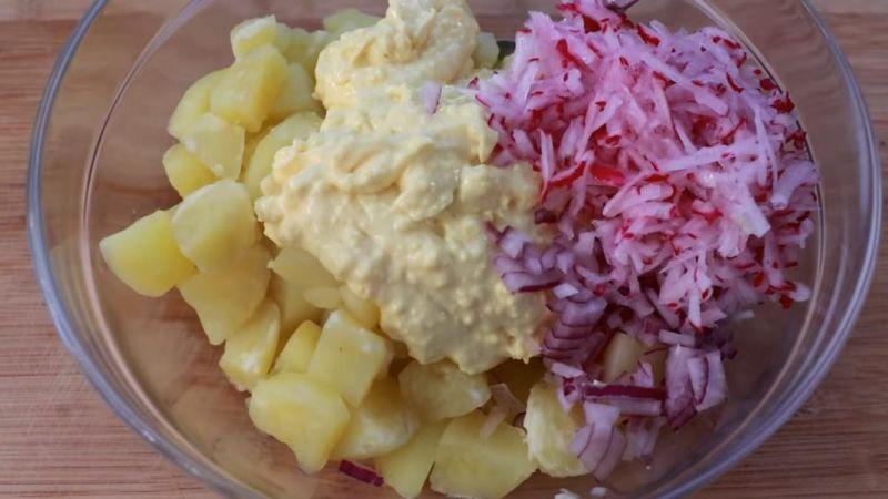Картопляний салат, після якого не потрібен обід