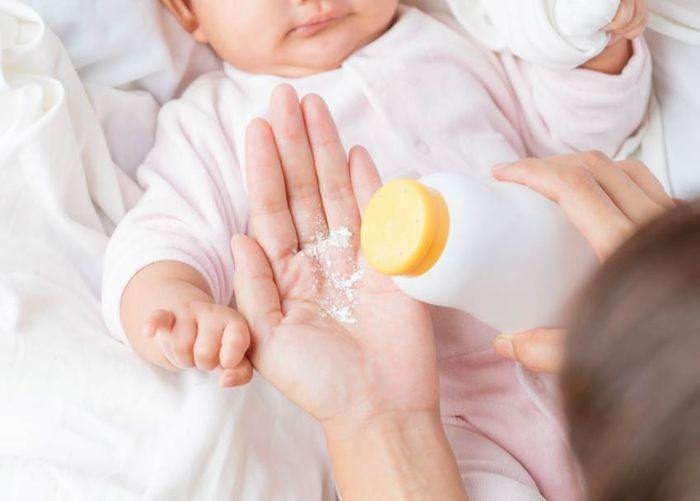 10 несподіваних способів використання дитячої присипки