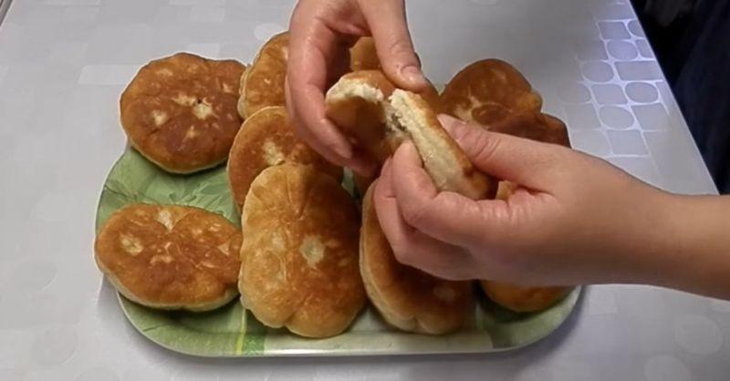 Як приготувати смажені пиріжки з повидлом, як в дитинстві