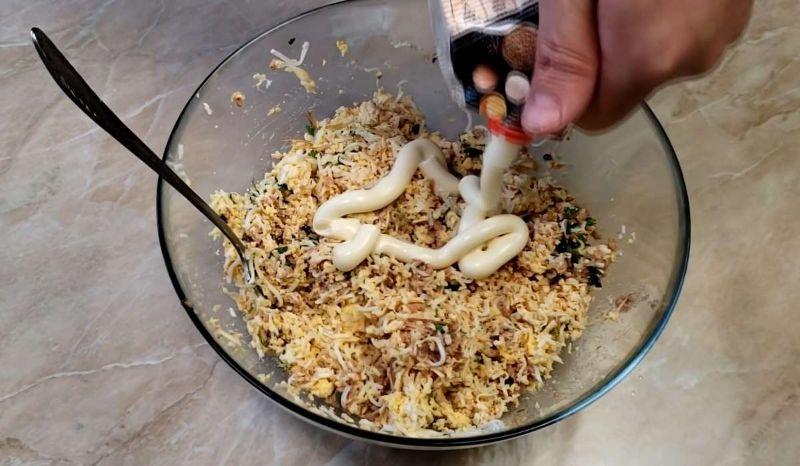 На заміну маслу: швидка намазка на бутерброди з рибних консервів
