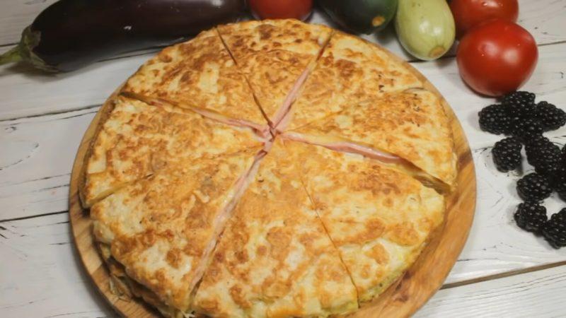 «Лінивий» сніданок з найсмачніших: просто скласти все в лаваш і підсмажити
