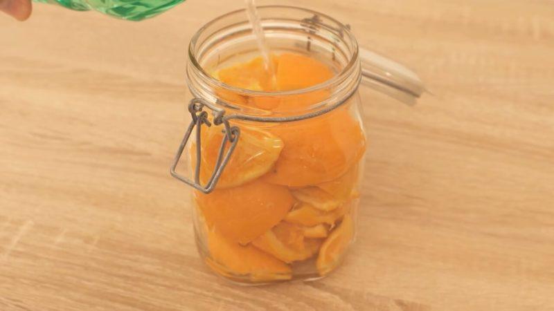 Лайфхак для чистоти та свіжості в будинку: не викидайте апельсинові і лимонні шкірки